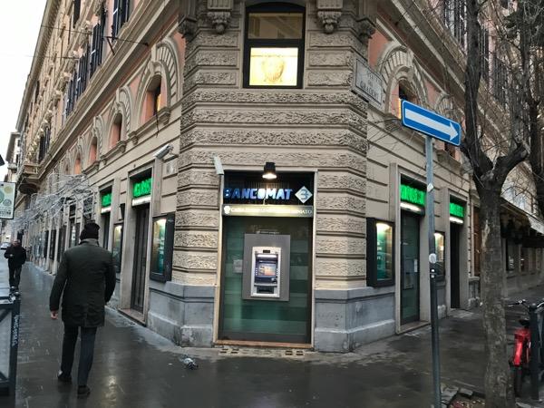 ローマ市内 銀行ATM